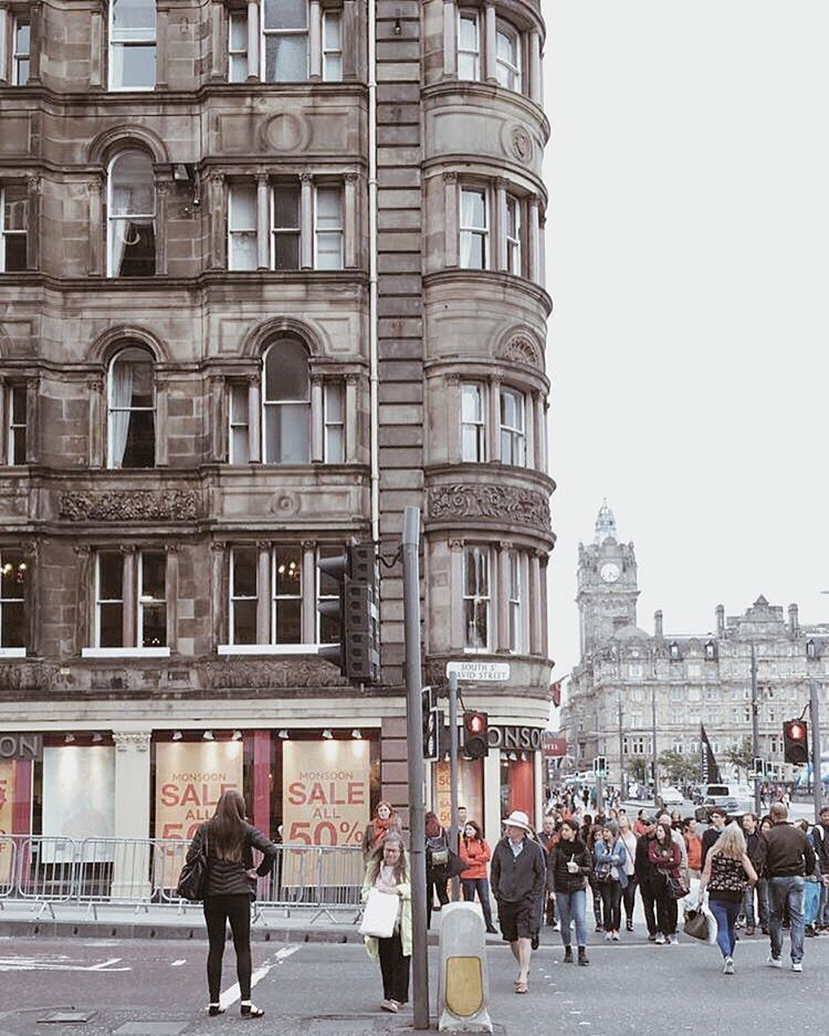 The beautiful city of Edinburgh One of my favourite placehellip
